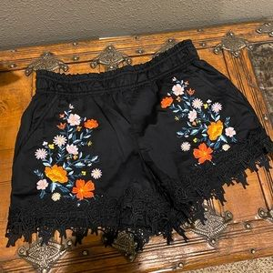 Black floral loose shorts